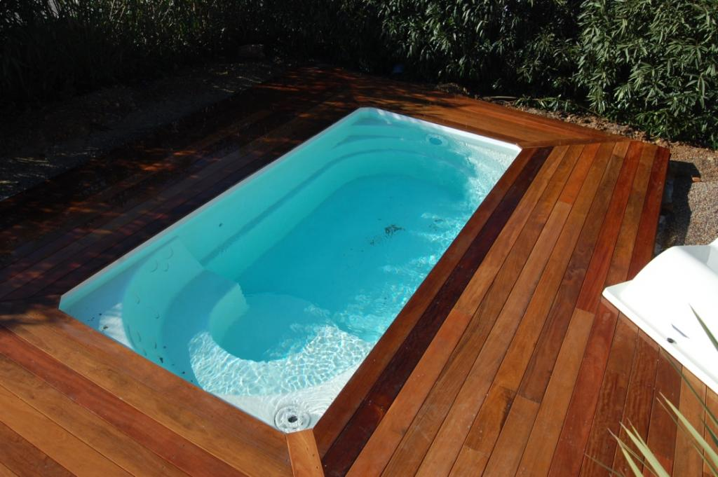 Construction terrasse bois draguignan frejus abris sainte for Piscine draguignan